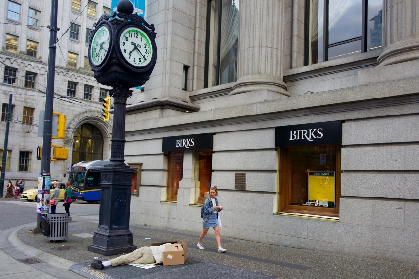 Birks Jewellers, where people with money shop...
